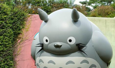 Bảo tàng Ghibli kỷ niệm 20 năm với bong bóng Totoro khổng lồ